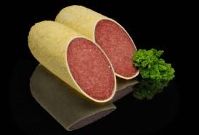 Parmezan peynir ile havada kurutulmuş olan Alman salamı